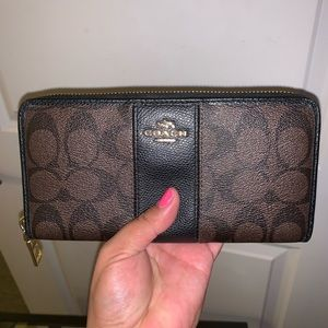 Authentic Coach Brown Black Accordion Zip Wallet